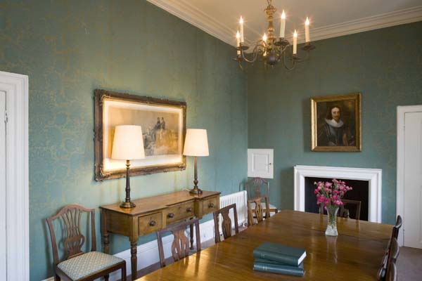 Organisation And The Experience Of Furnishing Letting Historic Buildings With Suggestion That It Act As An Agent For Royal Palaces