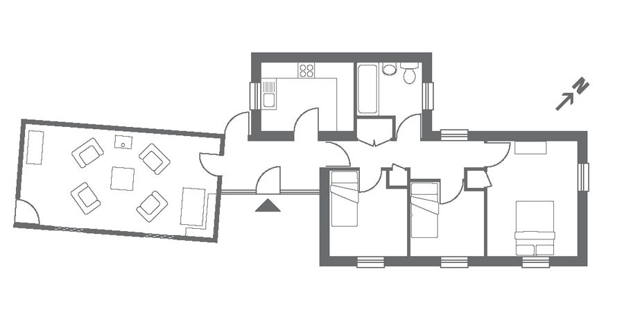 Holiday at chapel cottage in coombe cornwall the for Small chapel floor plans
